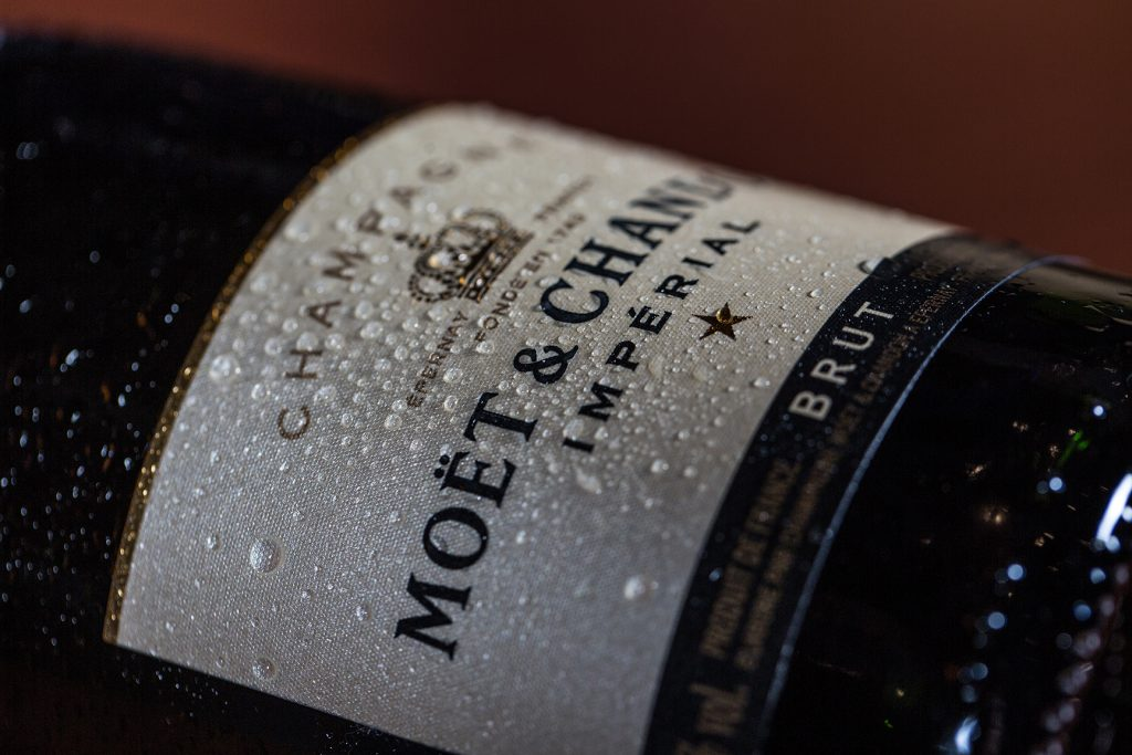 Champagne bottle condensation moet